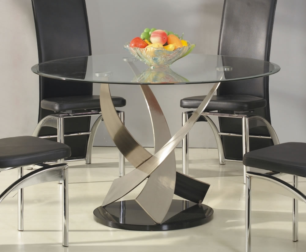 Mystique round clear glass dining table express uk delivery for Round glass dining table