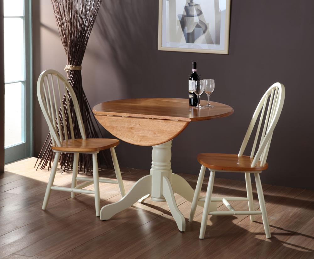 Weald buttermilk round drop leaf table chairs for Round table with leaf and chairs