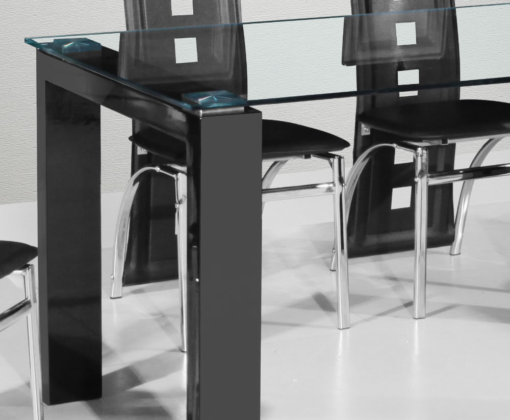 fenner black high gloss dining table and chairs with clear glass top