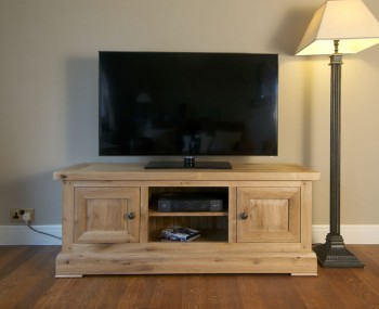 Roche Solid Oak TV Unit