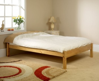Studio Traditional Pine Bed