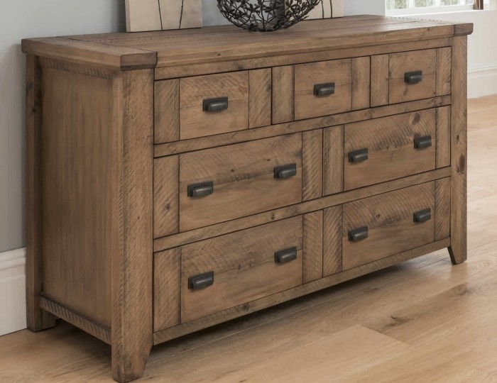 Lyndhurst Pine 7 Drawer Wide Chest