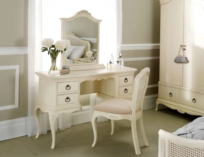 Ivy Dressing Table
