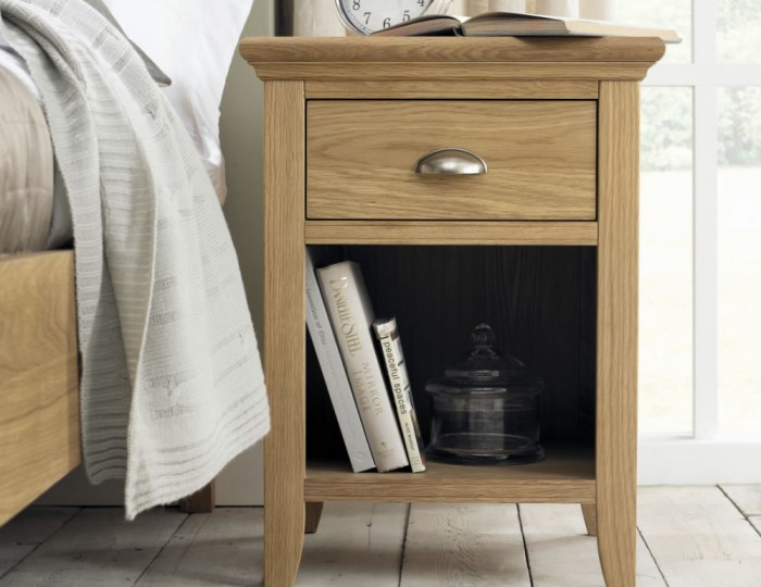Hampstead Oak Nightstand