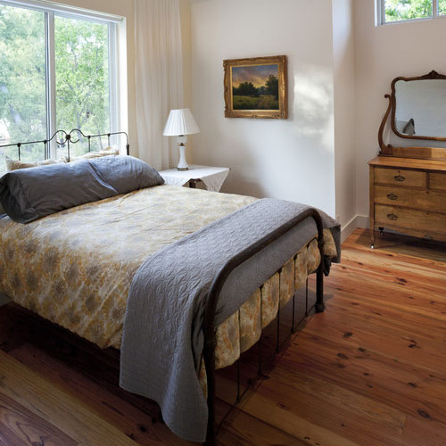 Wake Up In A Country-Style Bedroom This Xmas