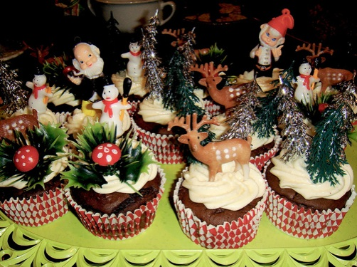 16 Great Ideas For Christmas Table Decorations Frances Hunt