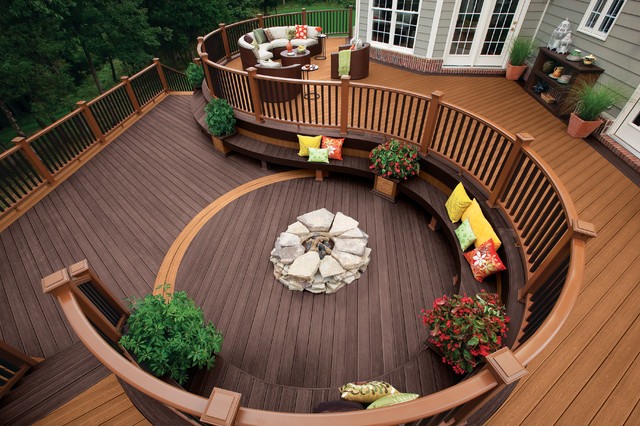 Transitional Deck Garden