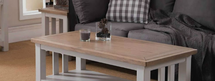 Distance between coffee table and sofa